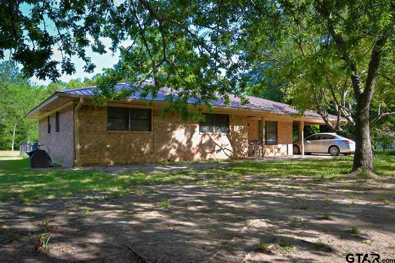 108 N Bryson, Bogata, TX 75417