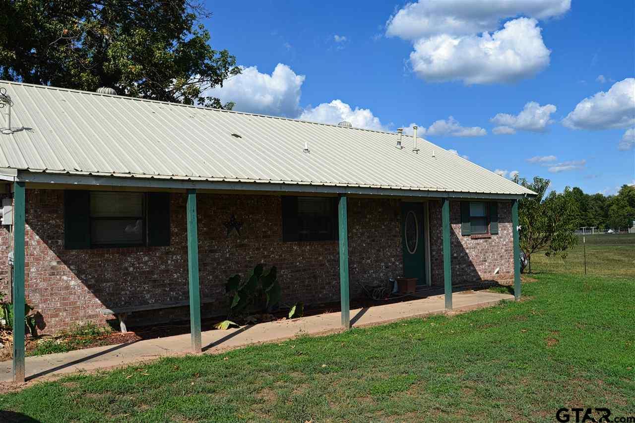 517 Roachtown, Bogata, TX 75417