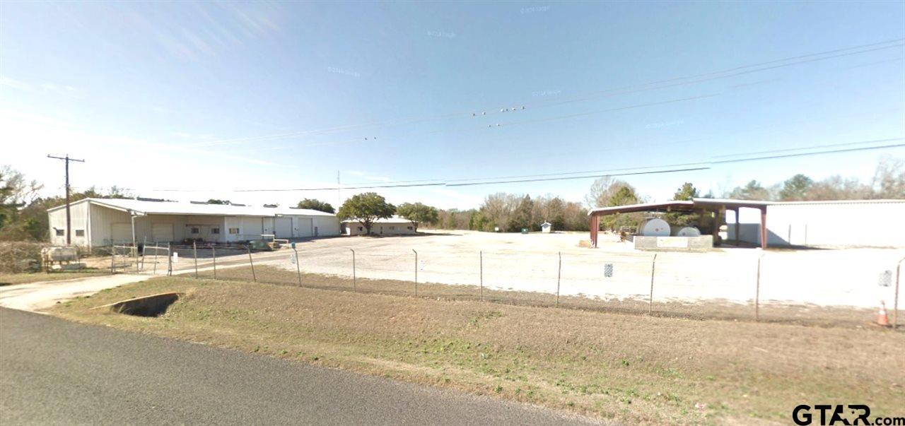 4400 W Oak St., Palestine, TX 75801