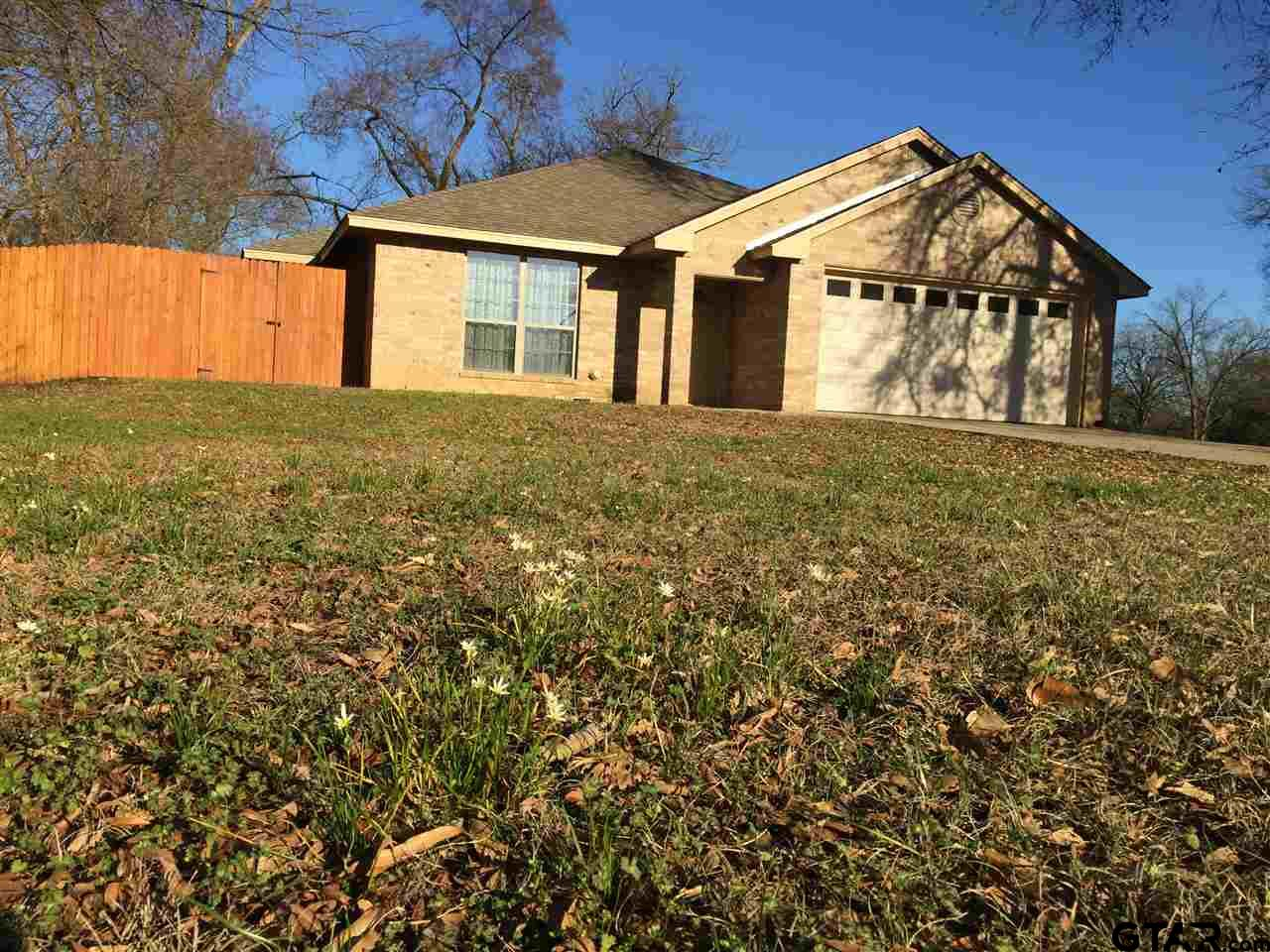 334 Hill Ave, Pittsburg, TX 75686