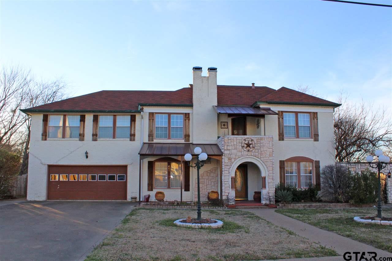 402 S Houston, Edgewood, TX 75117