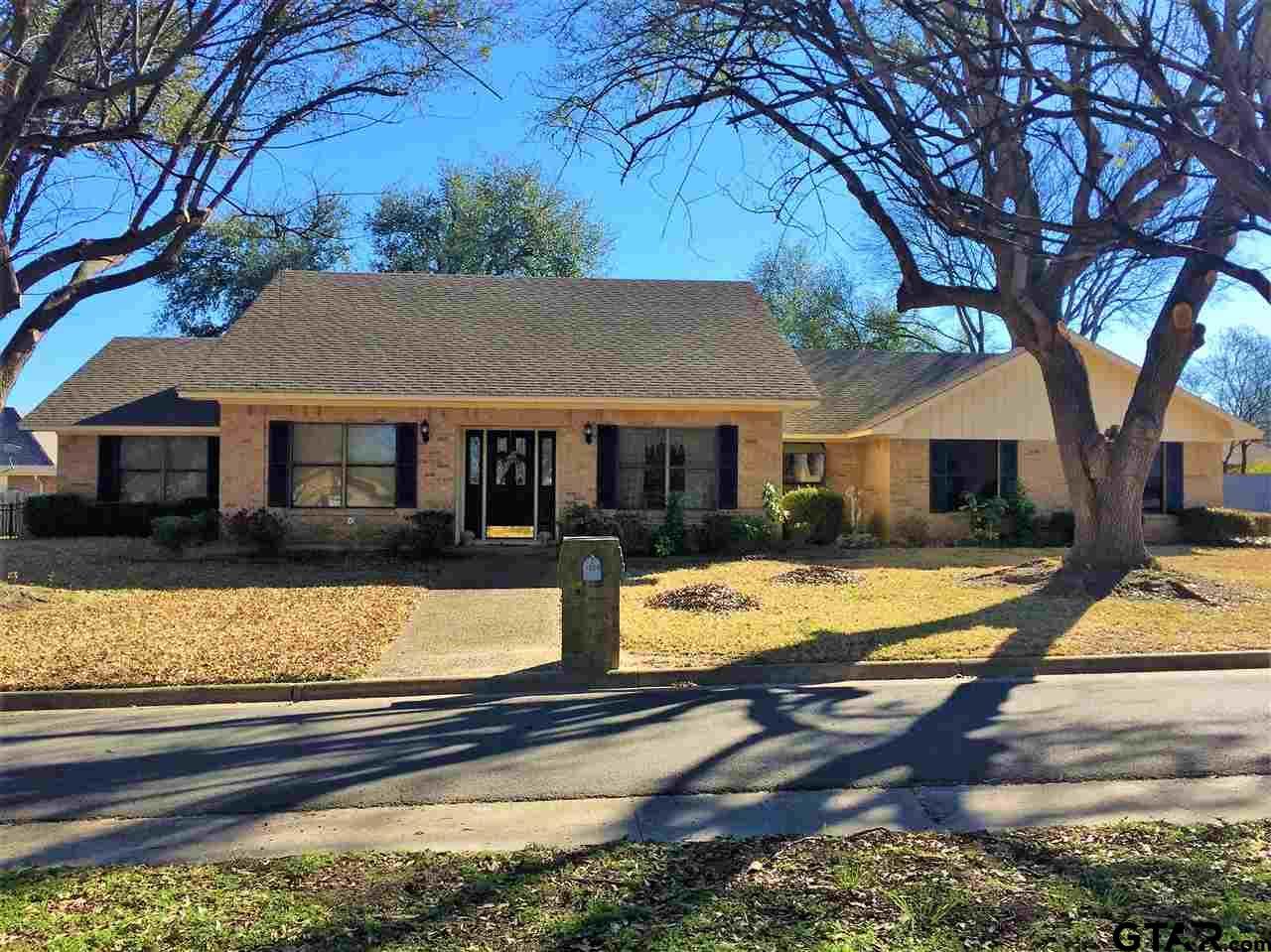 1809 Fairway, Mt Pleasant, TX 75455
