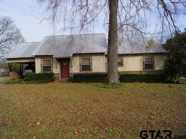 208 W 1st St., Mt Enterprise, TX 75681