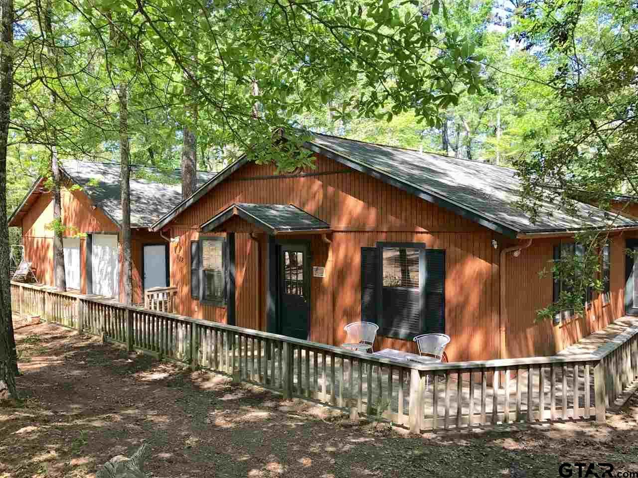 878 Valleywood Trail, Holly Lake Ranch, TX 75765