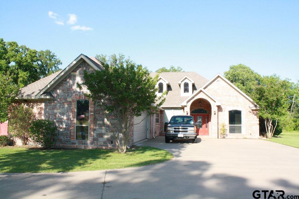 86 W Elmwood, Mt Vernon, TX 75457