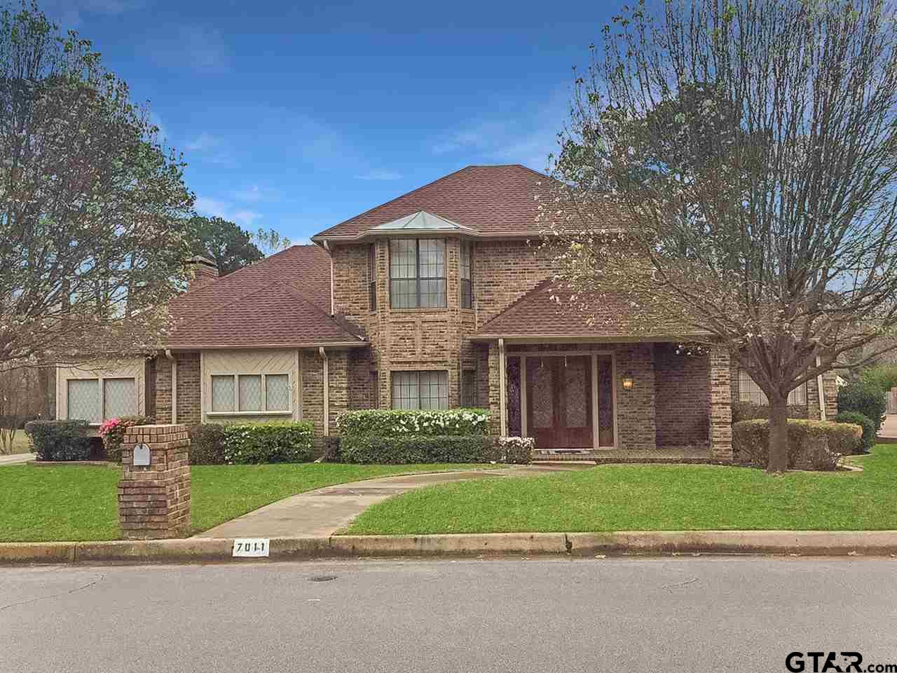 7011 Hollytree Circle, Tyler, TX 75703