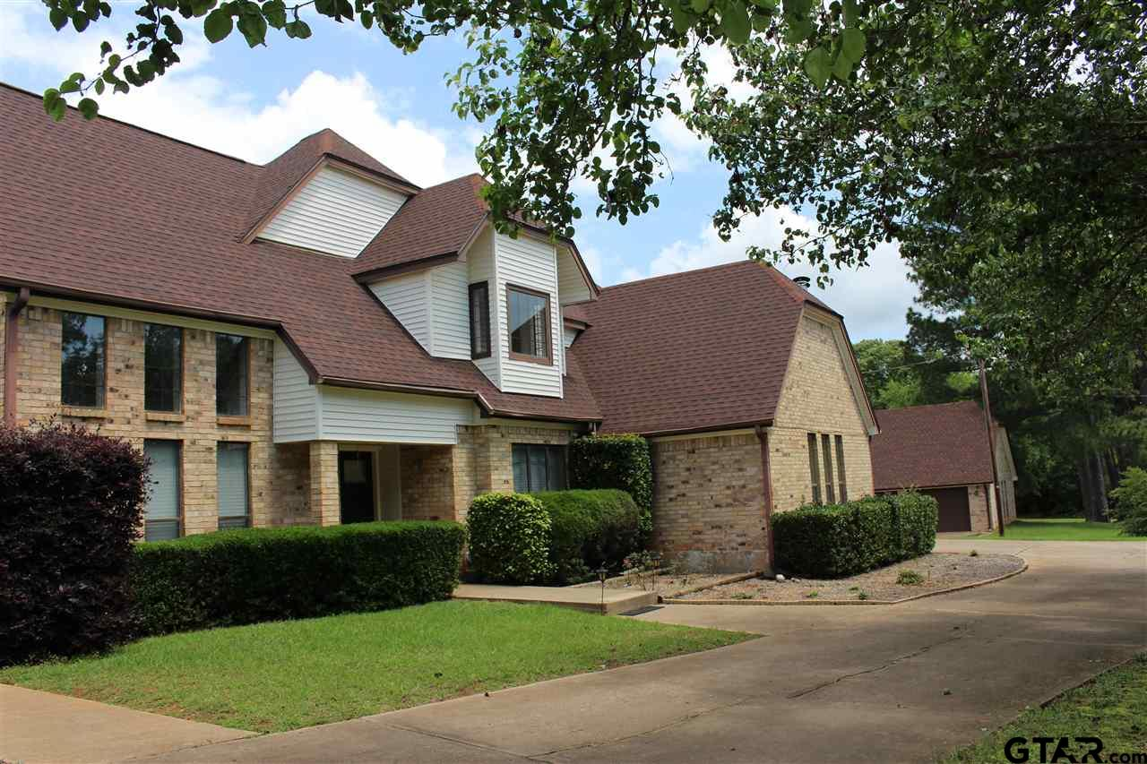 2301 Country Club Rd, Palestine, TX 75803