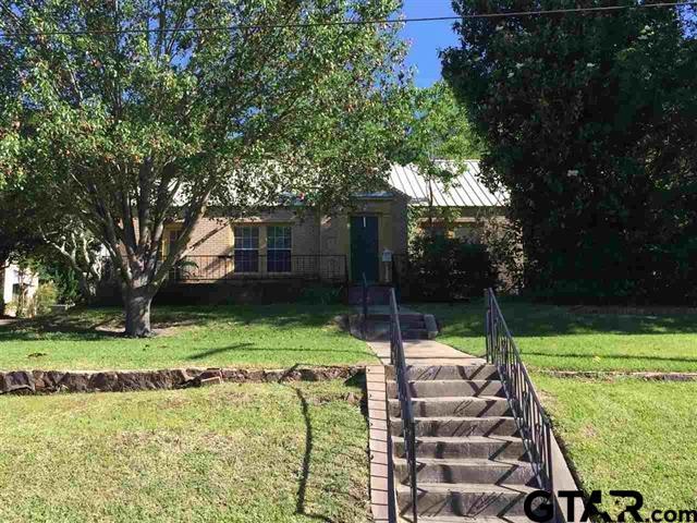 106 Red Oak St, Henderson, TX 75654