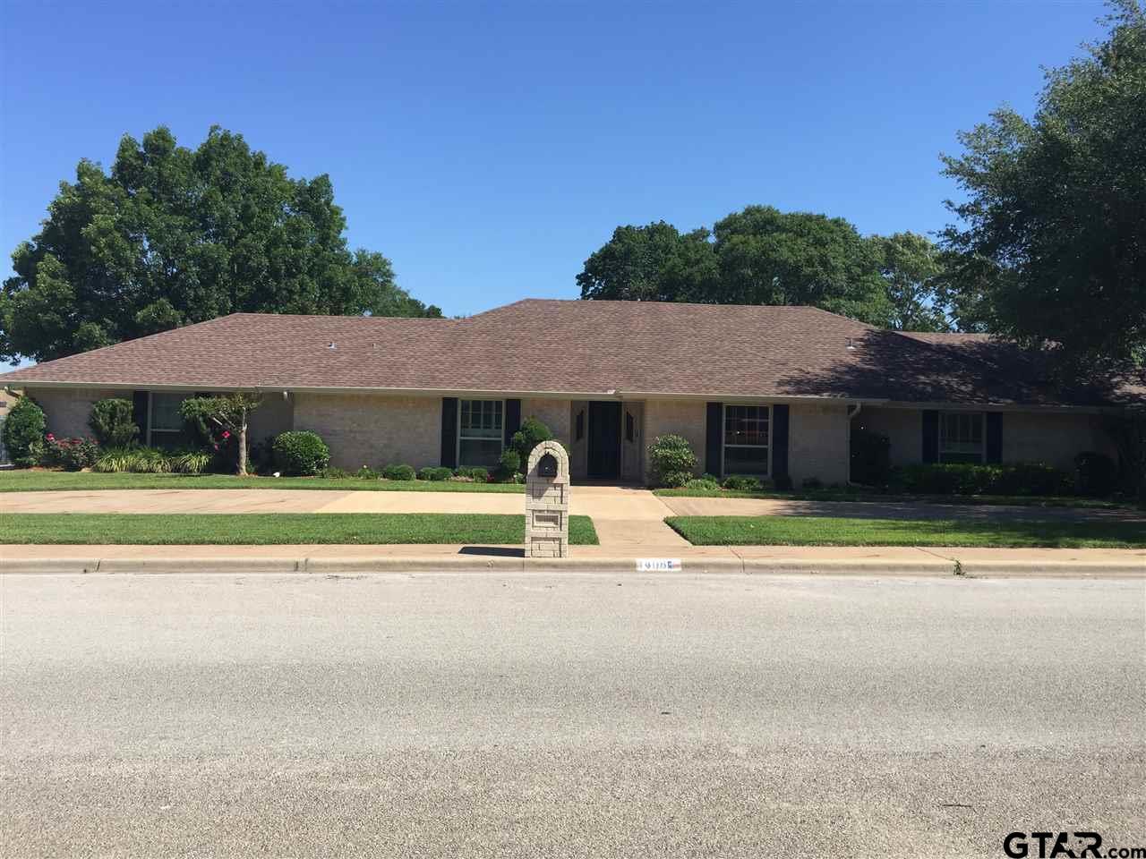 1408 Briarwood, Henderson, TX 75654