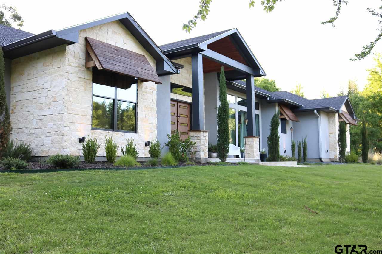 107 Grand Oaks Dr., Mt Pleasant, TX 75455