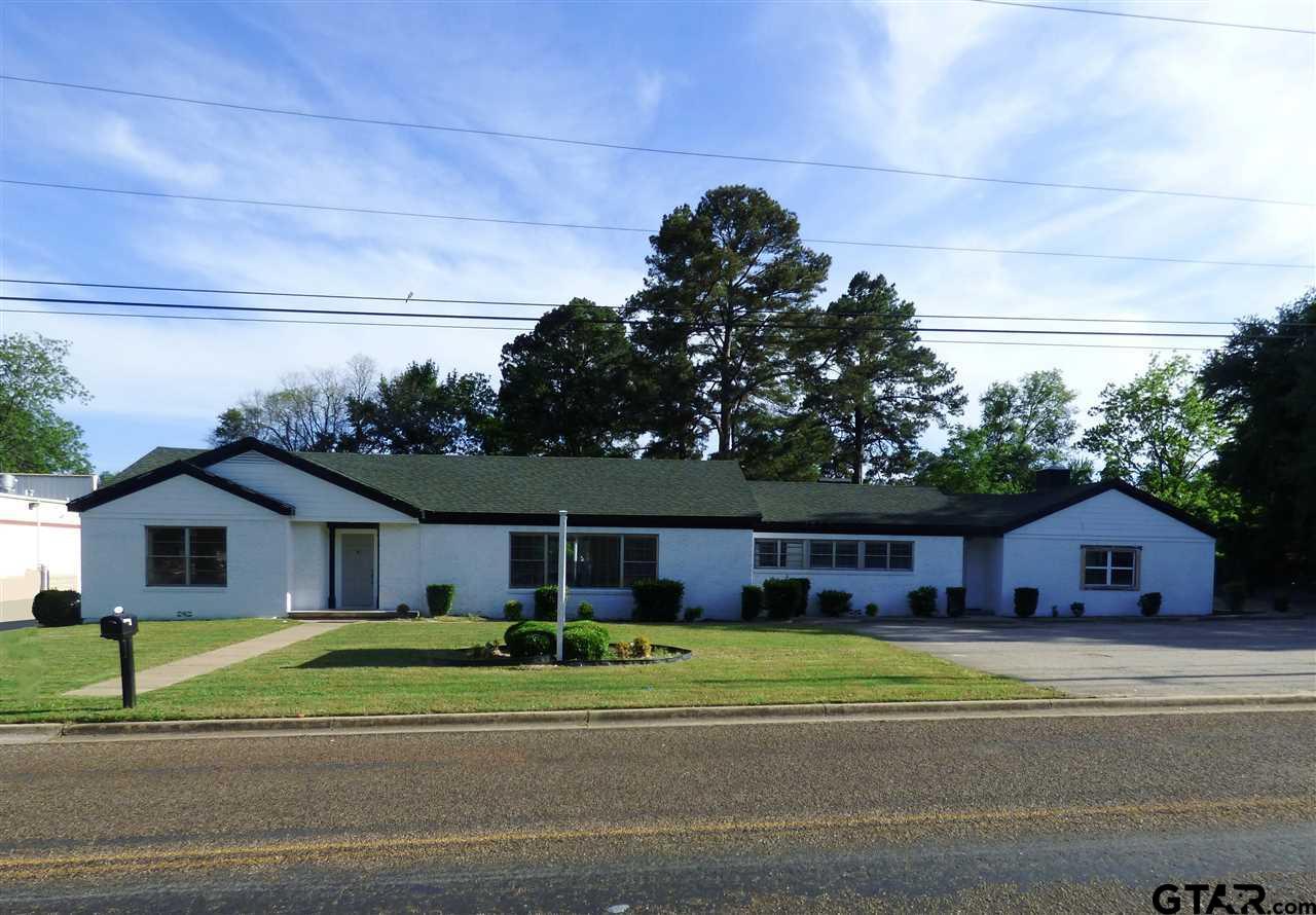 105 W Pecan St, Mt Pleasant, TX 75455