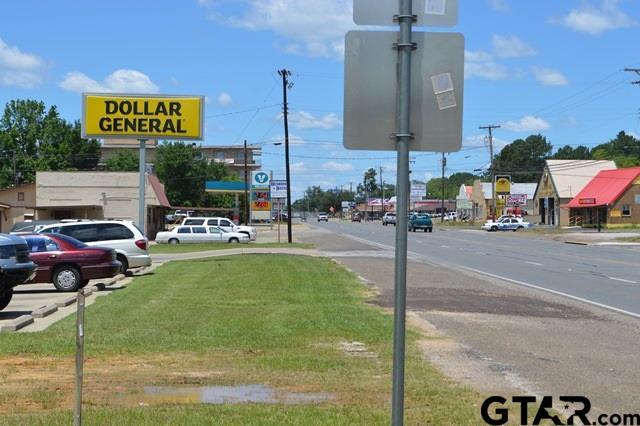 1004 E Broadway, Gladewater, TX 75647