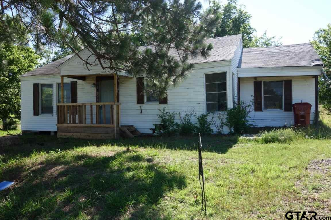 121 Carr Street, Mt Vernon, TX 75457