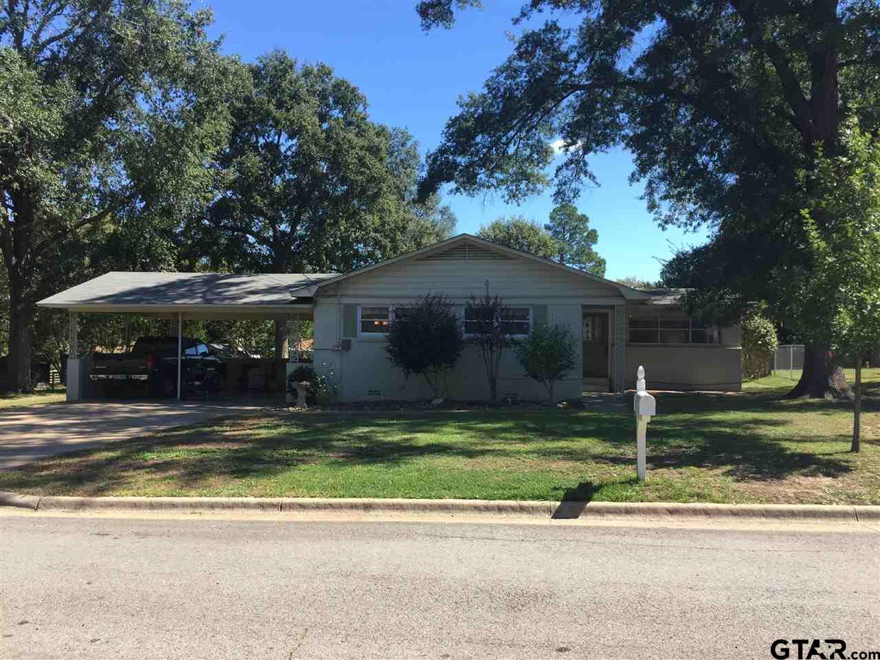 1303 Larkin, Mt Pleasant, TX 75455