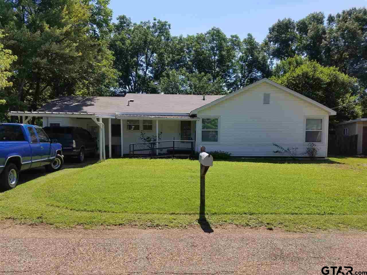108 Ridgeway, Daingerfield, TX 75638