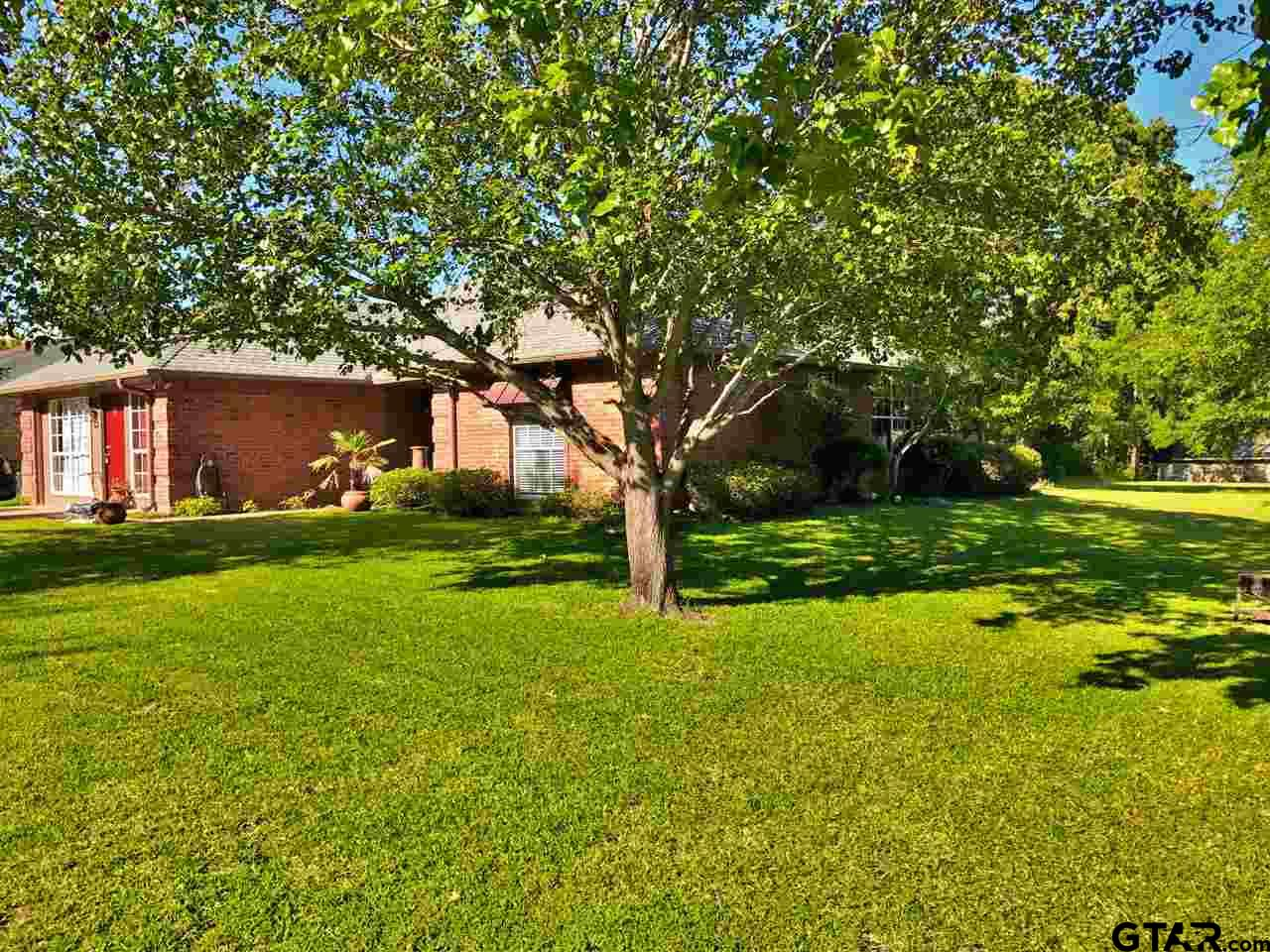 209 Green Lane Trl, Whitehouse, TX 75791