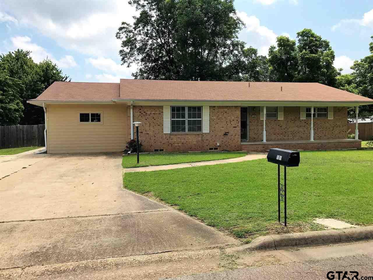109 Magnolia St, Mt Vernon, TX 75457