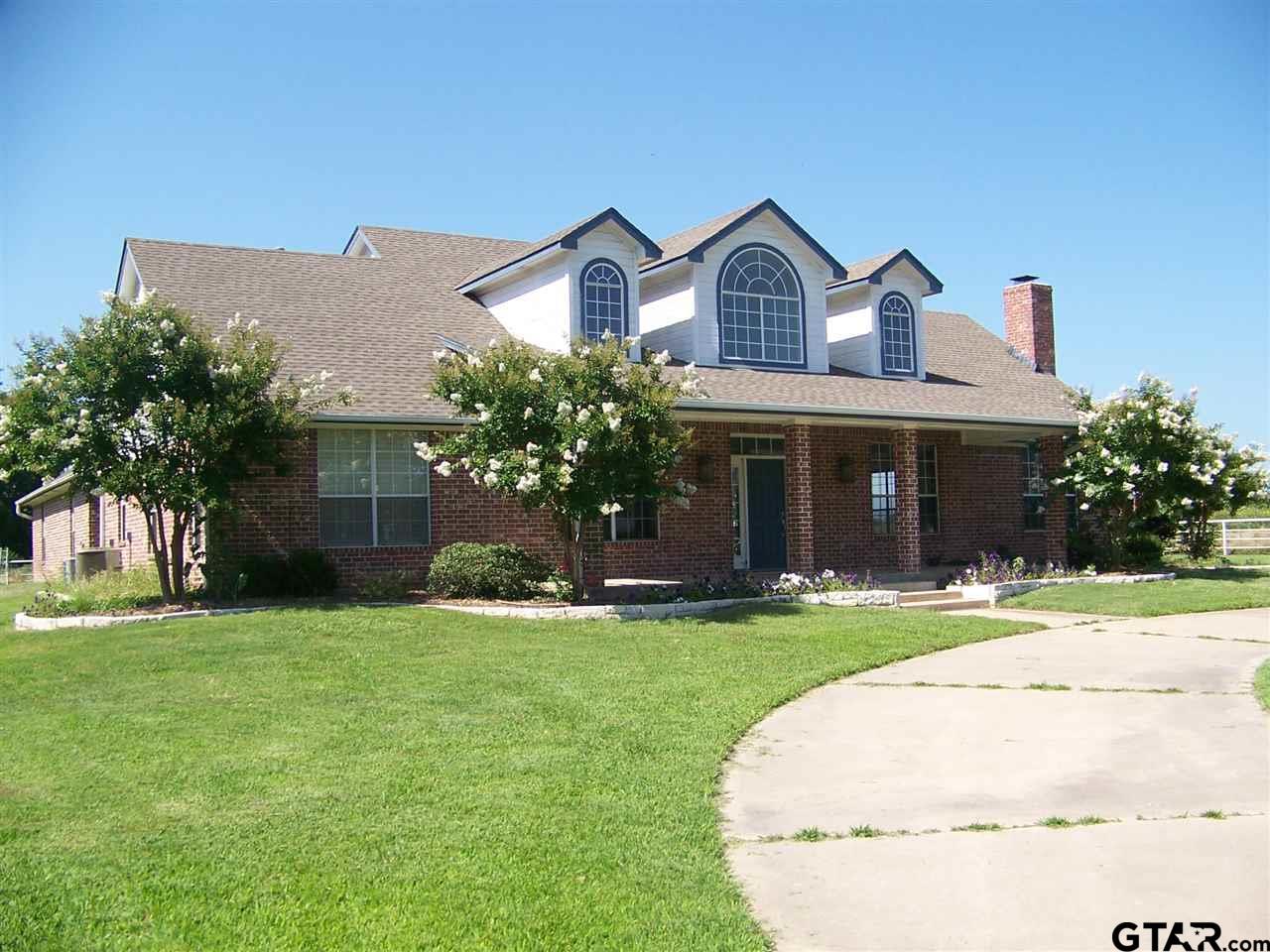 128 W Oak Street, Yantis, TX 75497