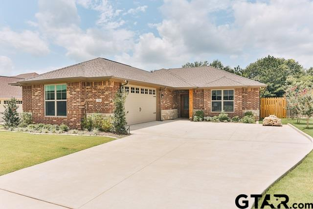 712 Abbey, Lindale, TX 75771