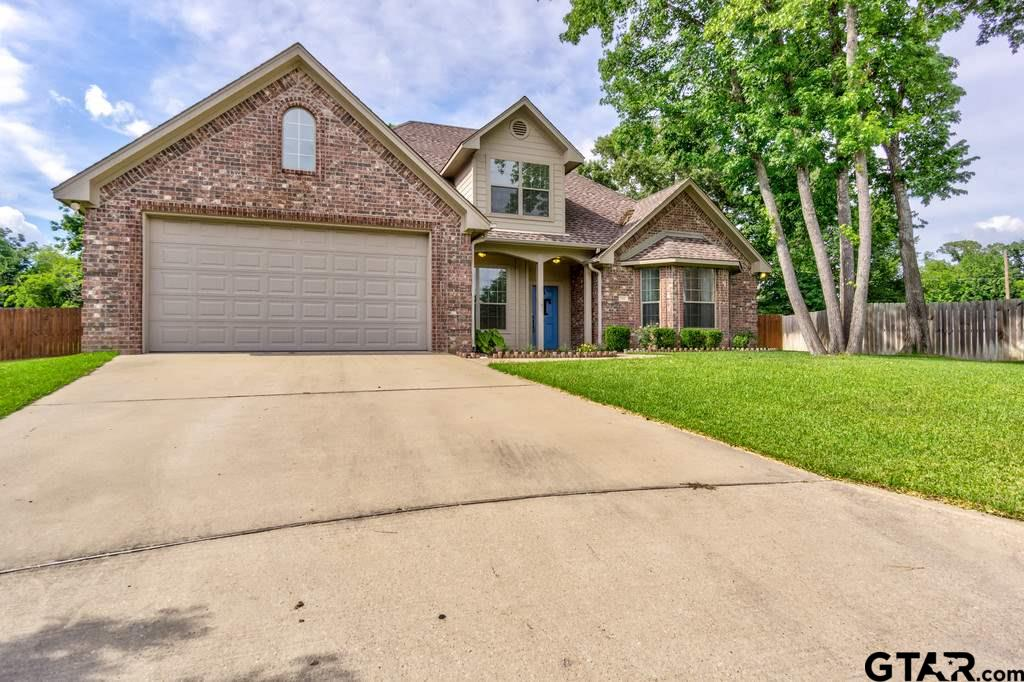202 N Creek Court, Whitehouse, TX 75791