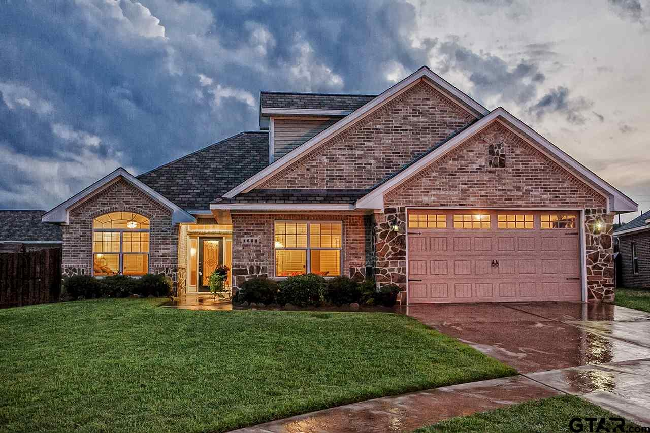 1500 Lucy Circle, Lindale, TX 75771