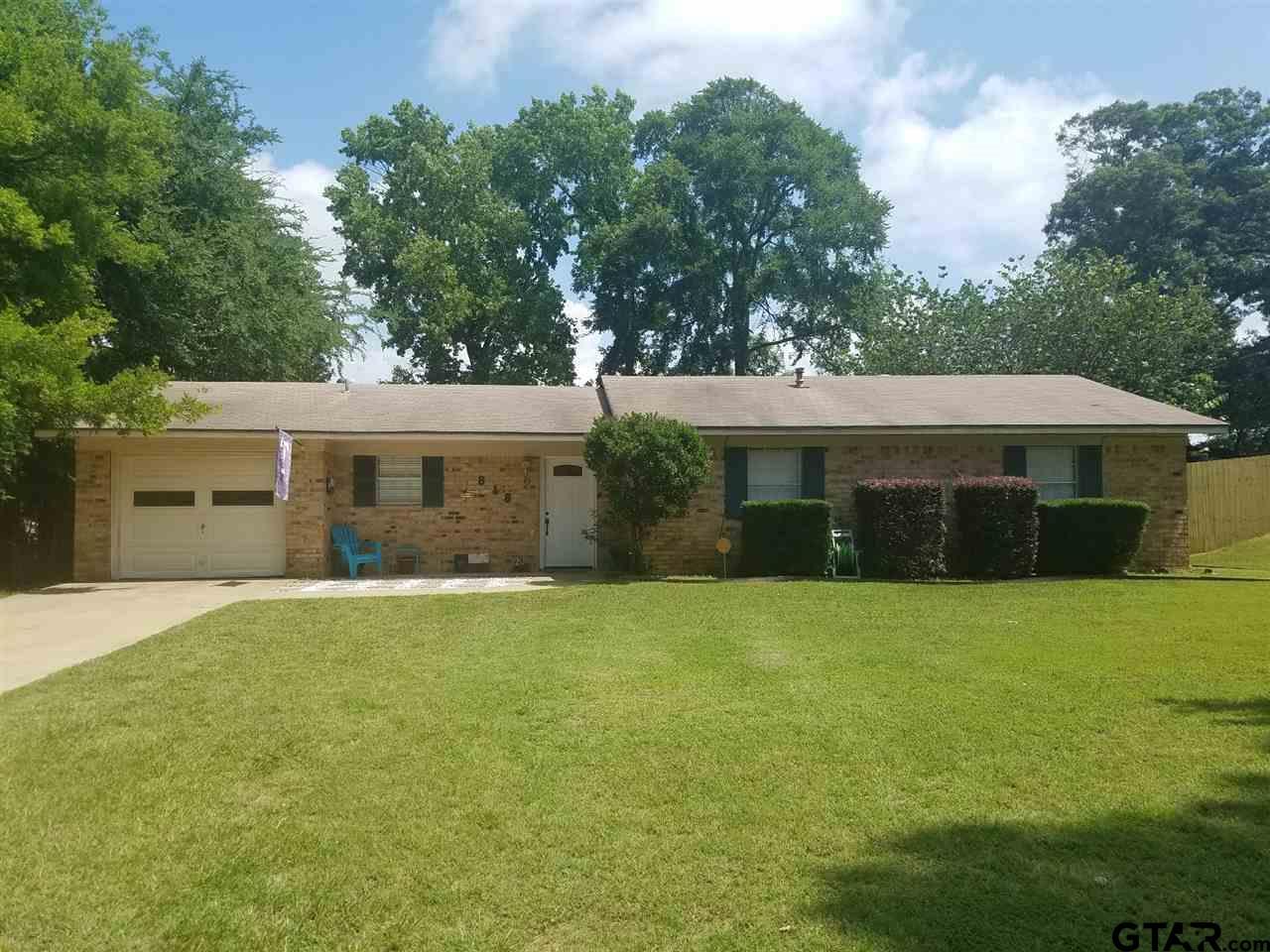 818 Live Oak, Hughes Springs, TX 75656