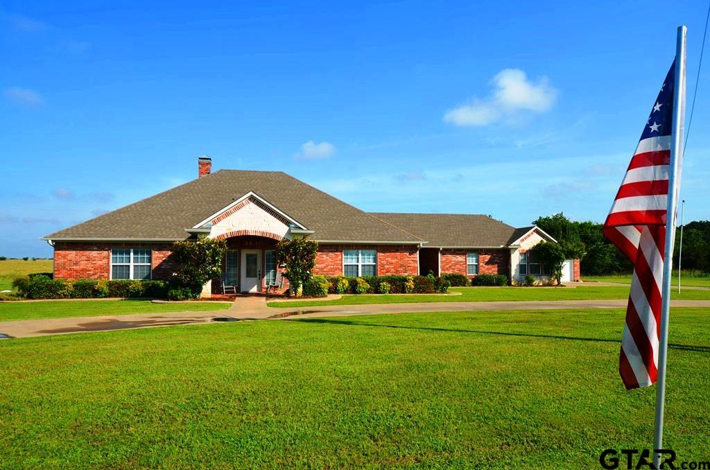 301 Whippoorwill Drive, Wills Point, TX 75169