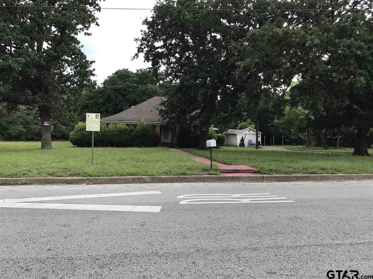 1407 S Lyons, Tyler, TX 75701