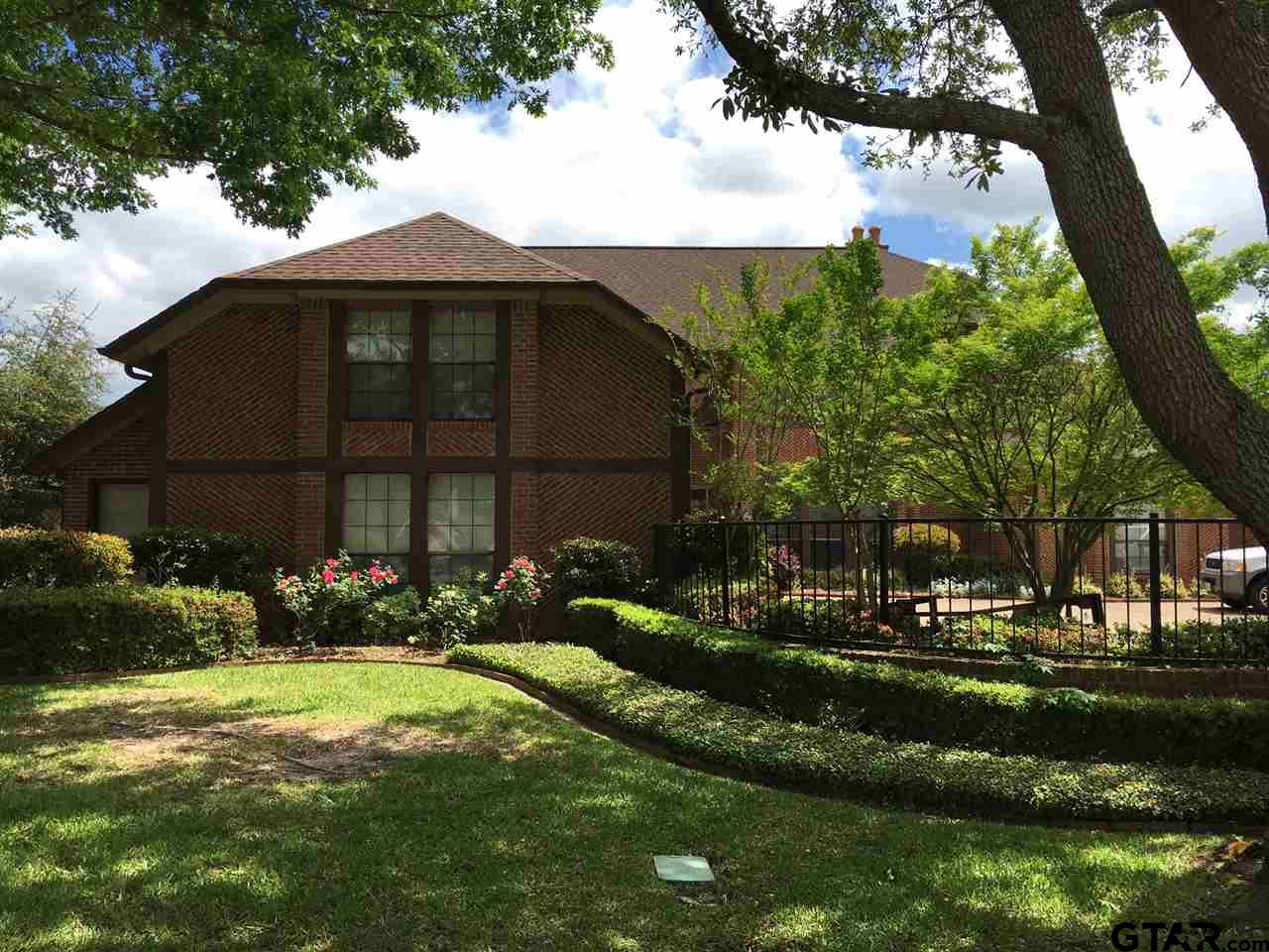 6500 Hollytree Circle, Tyler, TX 75703