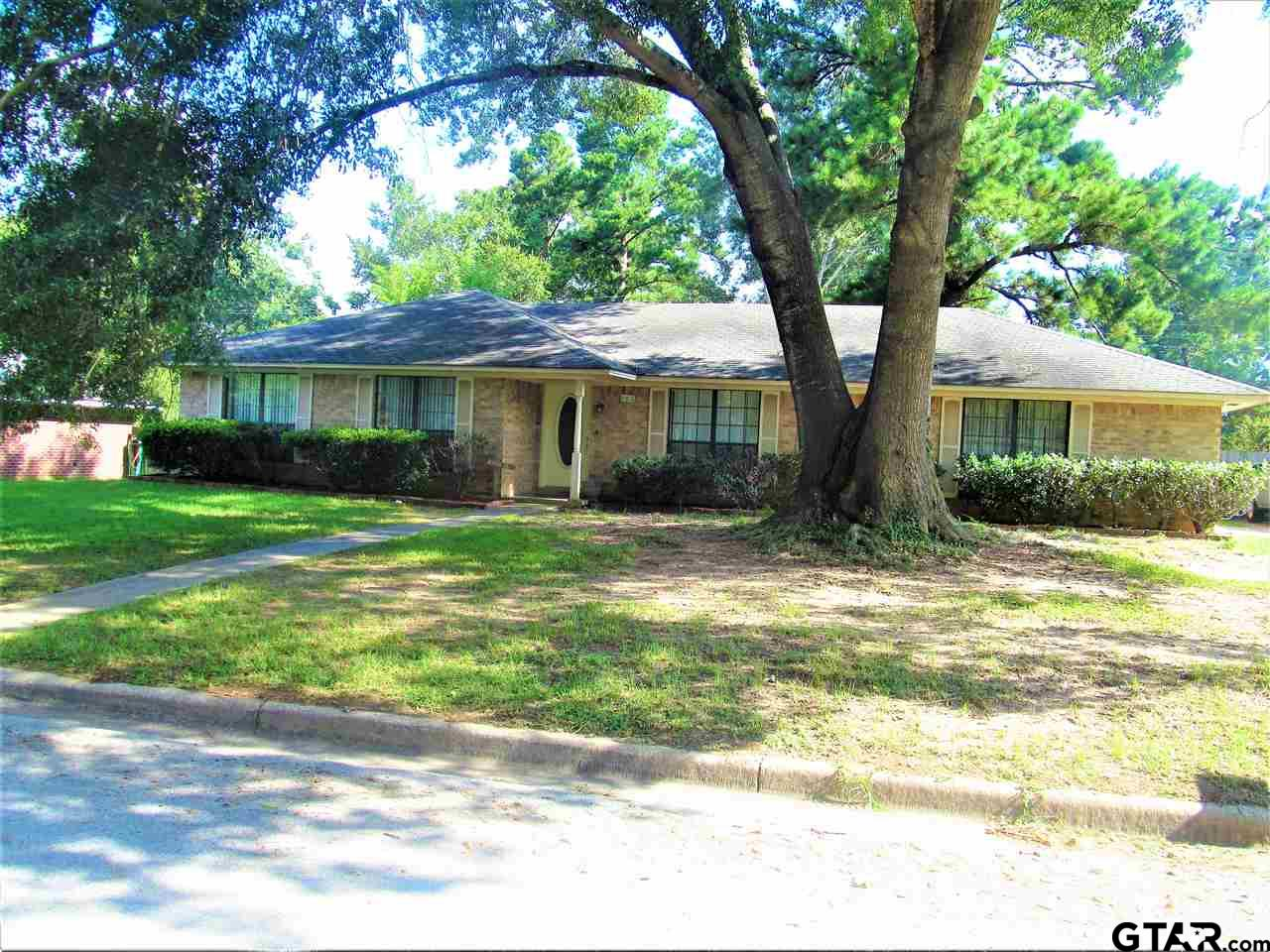 906 Willow Oak, Nacogdoches, TX 75964