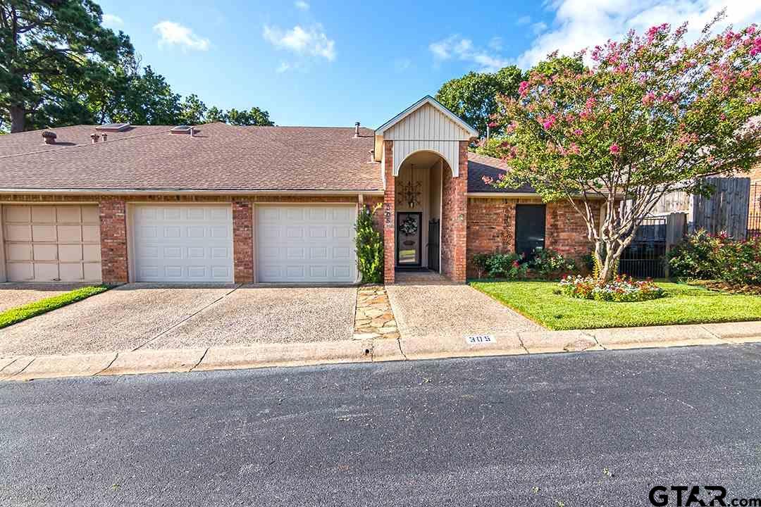 305 Amberwood Circle, Tyler, TX 75701