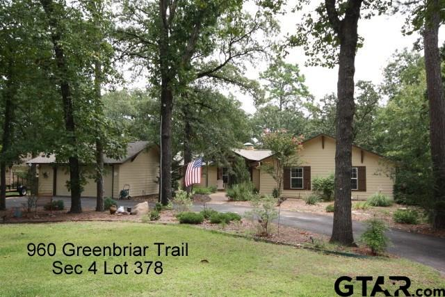 960 Greenbriar Trail, Holly Lake Ranch, TX 75765