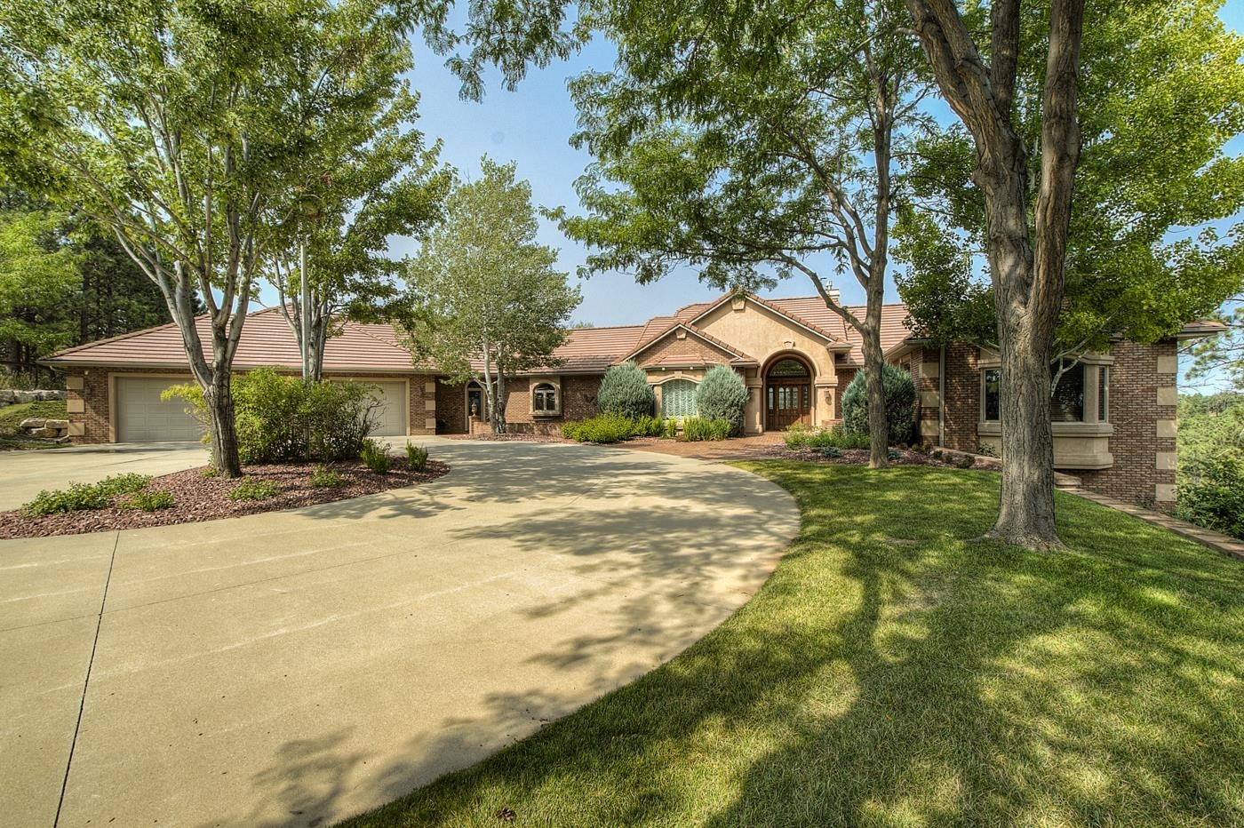5321 CARRIAGE HILLS DR