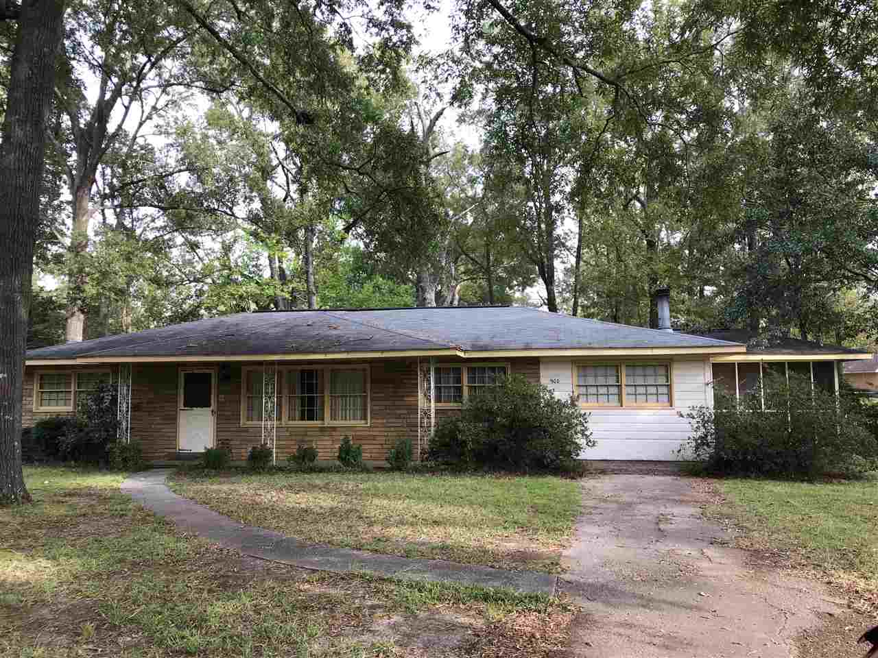 908 Godfrey Place, Perry, GA 31069