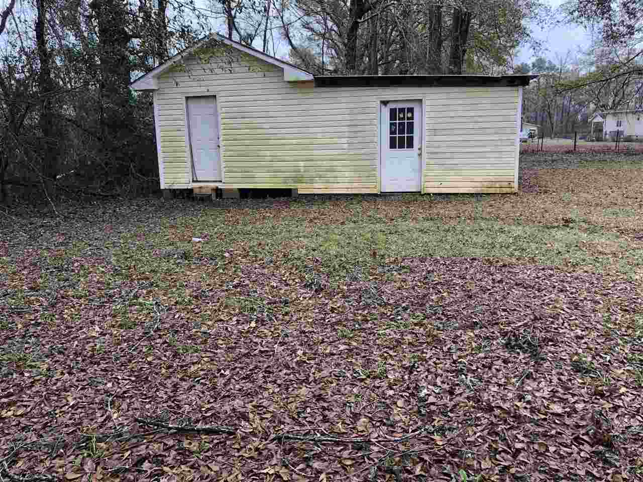 102 Lake Road, Kathleen, GA 31047