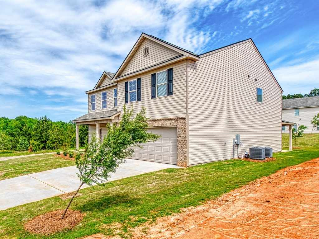 211 Longbridge Way, Perry, GA 31069