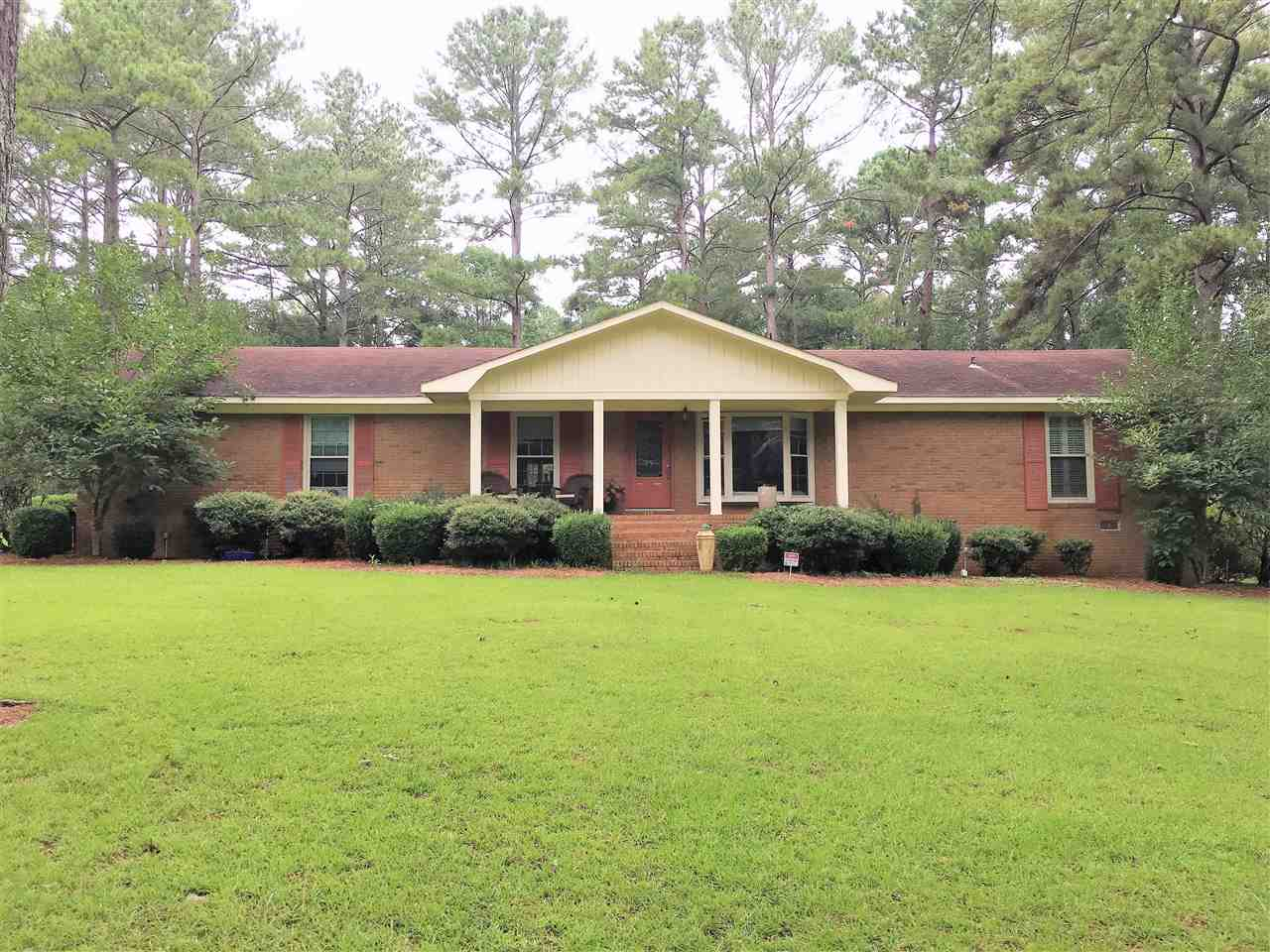 88 Sandy Springs Circle Hawkinsville, GA 31036