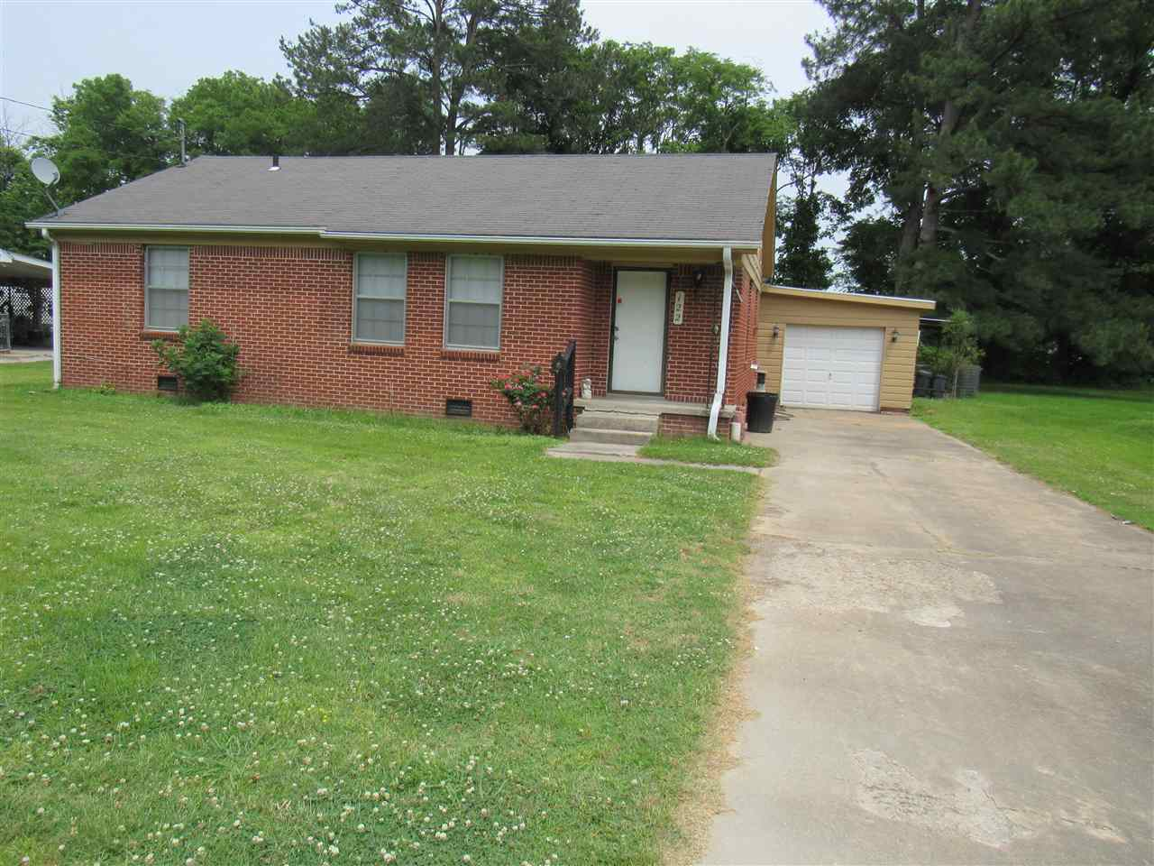 122 Eastlawn Dr, Dyersburg, Tennessee 38024, 3 Bedrooms Bedrooms, ,1 BathroomBathrooms,Residential,For Sale,122 Eastlawn Dr,188557