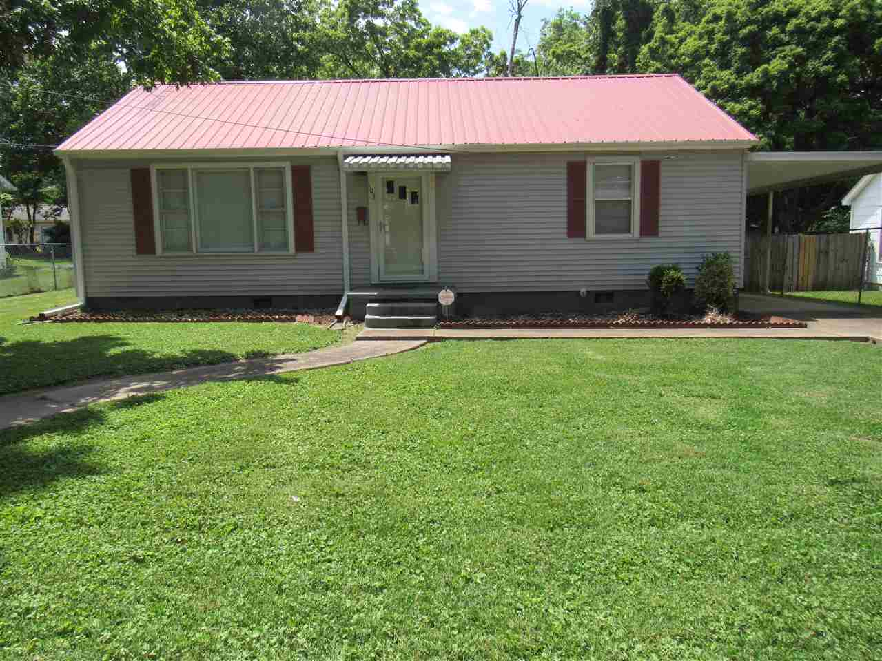 103 N Grayson St, Newbern, Tennessee 38059, 2 Bedrooms Bedrooms, ,1 BathroomBathrooms,Residential,For Sale,103 N Grayson St,202197
