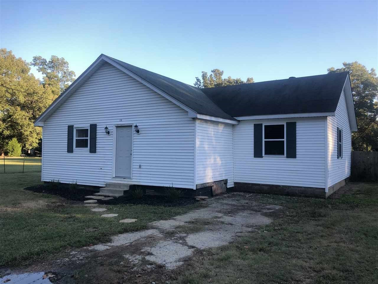 126 Shannon St, Dyersburg, Tennessee 38024, 3 Bedrooms Bedrooms, ,2 BathroomsBathrooms,Residential,For Sale,126 Shannon St,205160