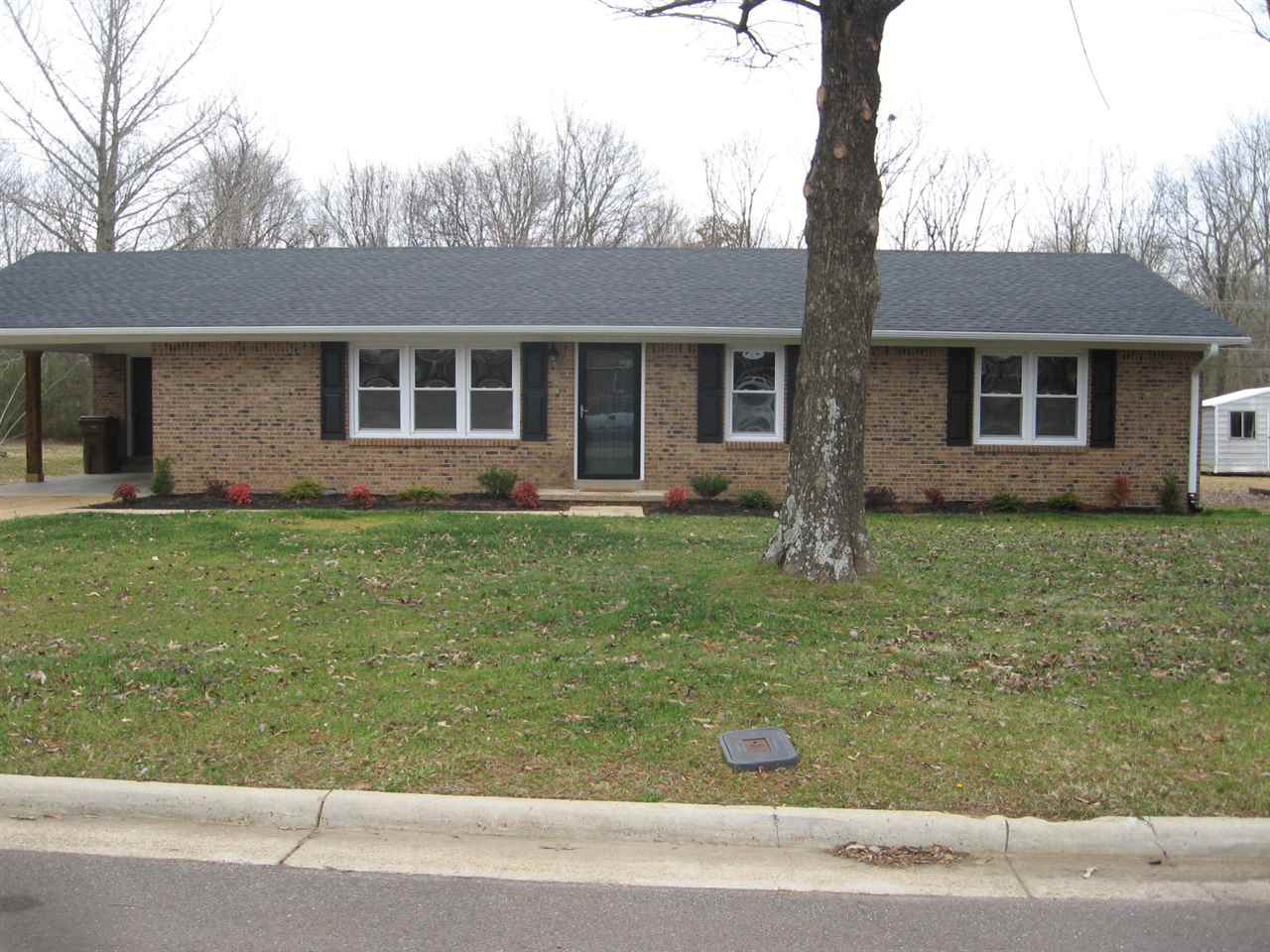 484 Sunset Drive, Lexington, Tennessee 38351, 3 Bedrooms Bedrooms, ,2 BathroomsBathrooms,Residential,For Sale,484 Sunset Drive,205422