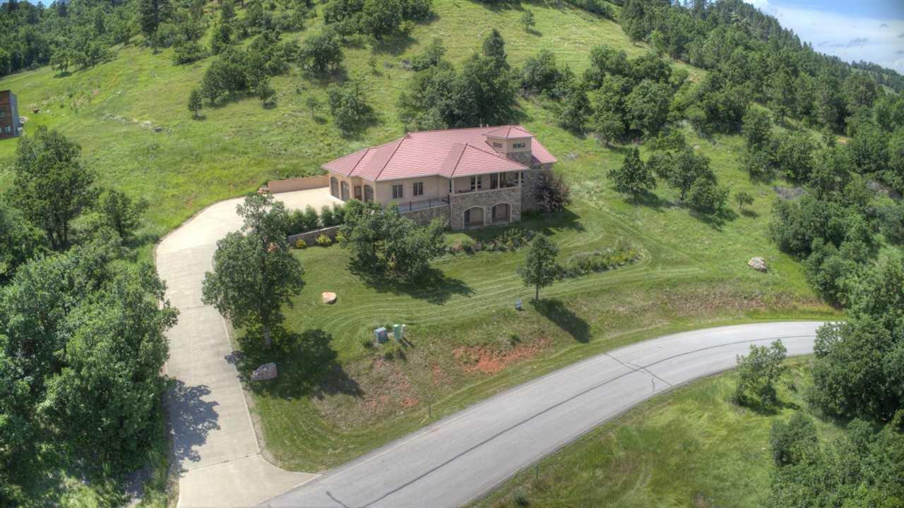 1033 W Woodlands Drive
