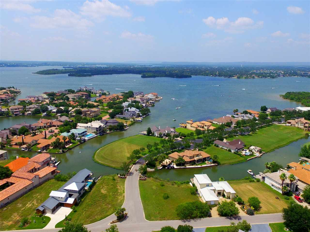 W29042 Wennmohs Place Horseshoe Bay Real Estate Home Listings - RE/MAX Horseshoe Bay Resort Sales, Co. Lake LBJ Real Estate