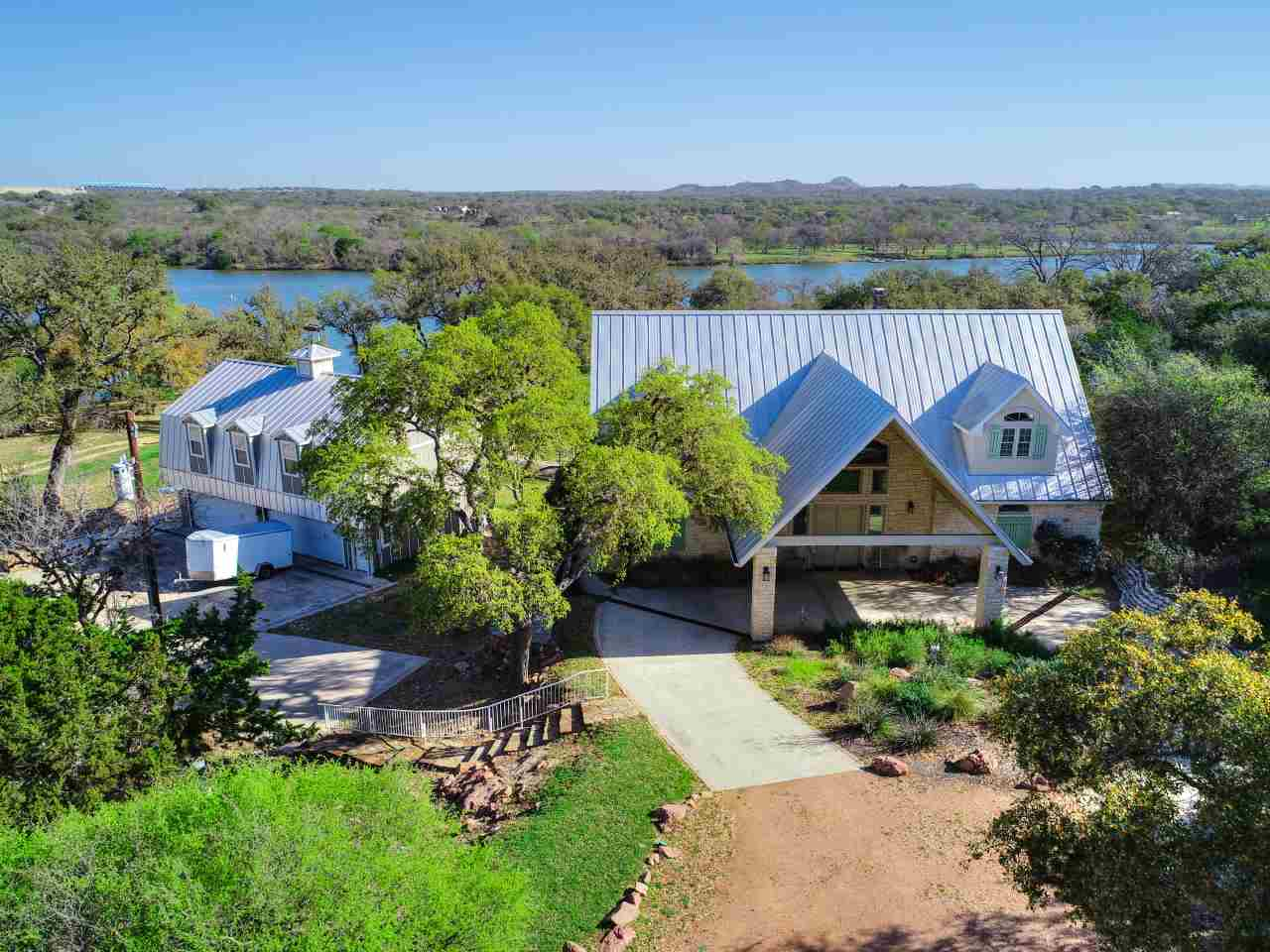429 Del Mar Horseshoe Bay Real Estate Home Listings - RE/MAX Horseshoe Bay Resort Sales, Co. Lake LBJ Real Estate