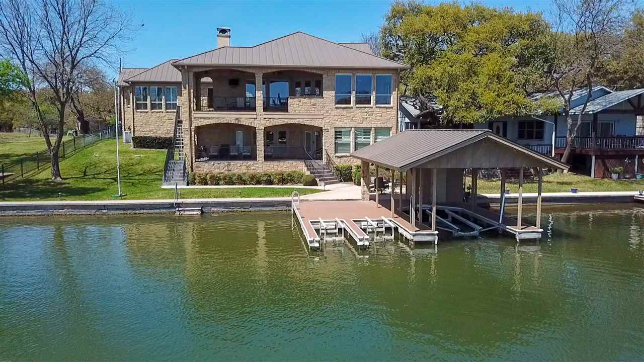 Attractively landscaped Lake LBJ lot, astonishing wide-open water views.
