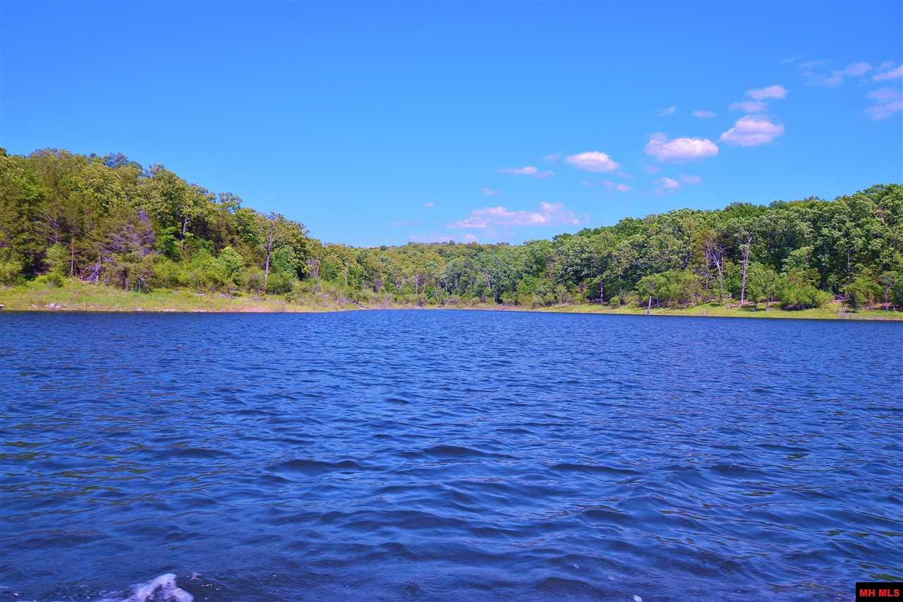 Land and Lots on Lakes for Sale
