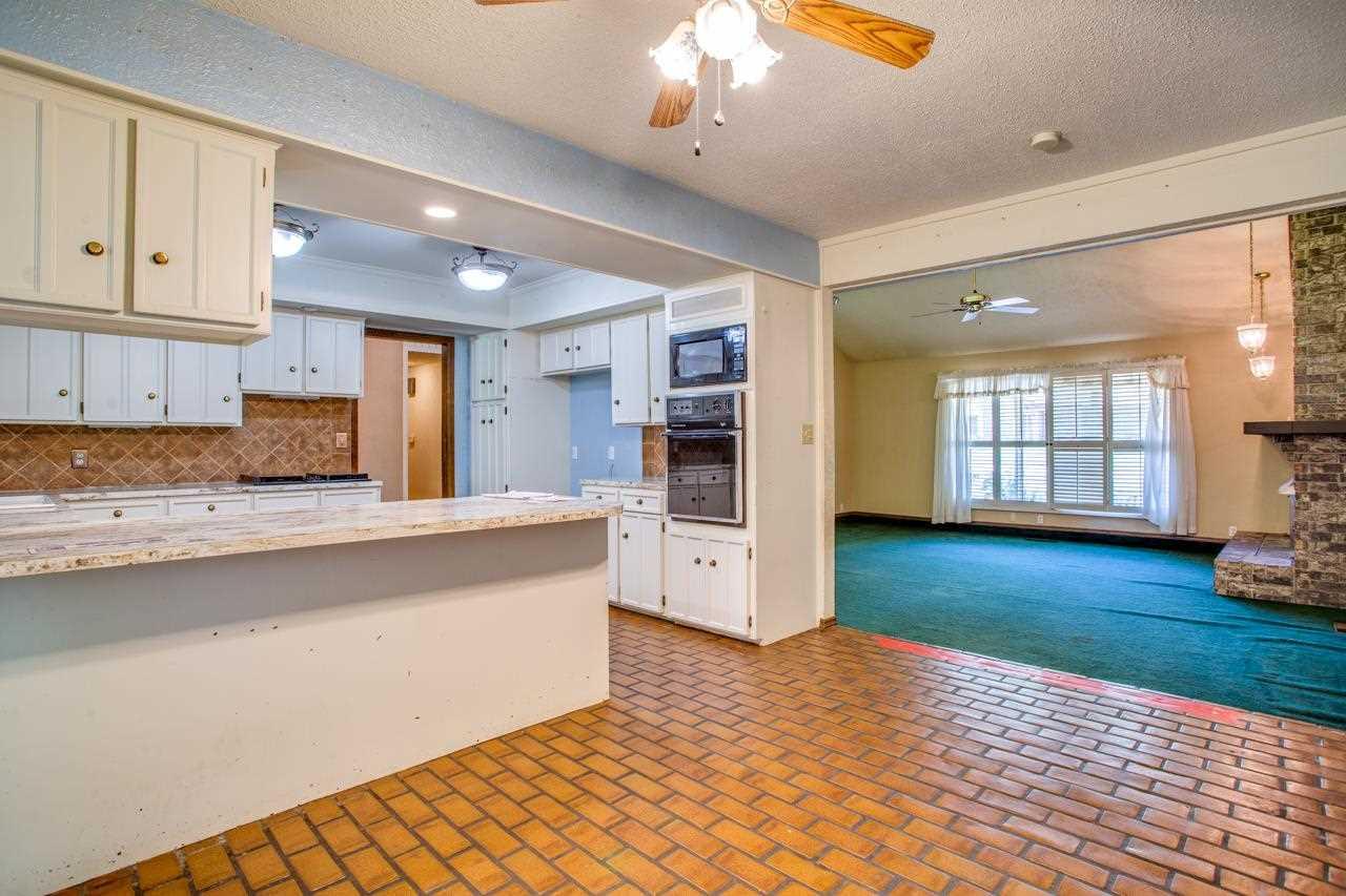 3001 Oakridge Rd
