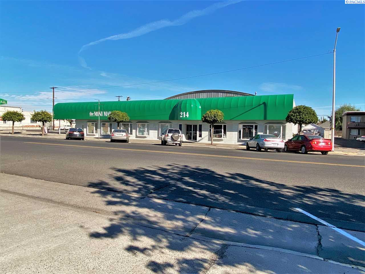 Retail for Sale at 214 S 6TH Sunnyside, Washington 98944 United States