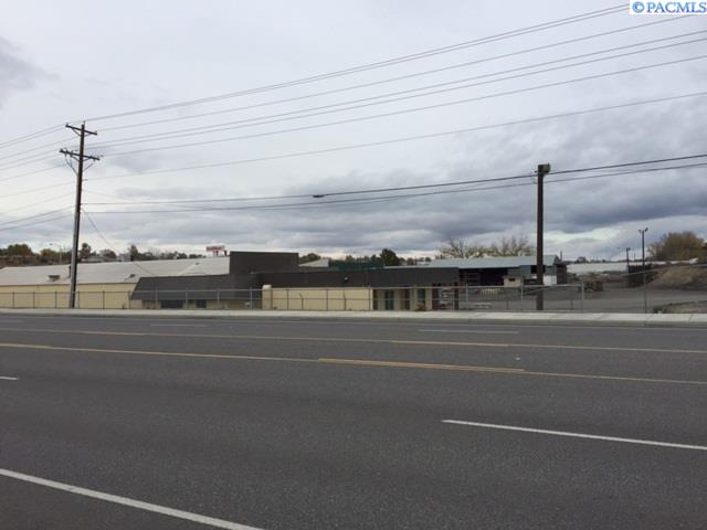 Retail for Sale at 1214 Aaron Drive Richland, Washington 99352 United States