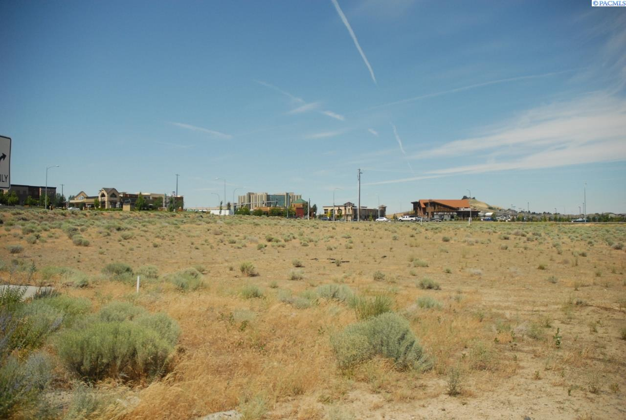 Land for Sale at 4704 W Hildebrand Blvd. Kennewick, Washington 99337 United States